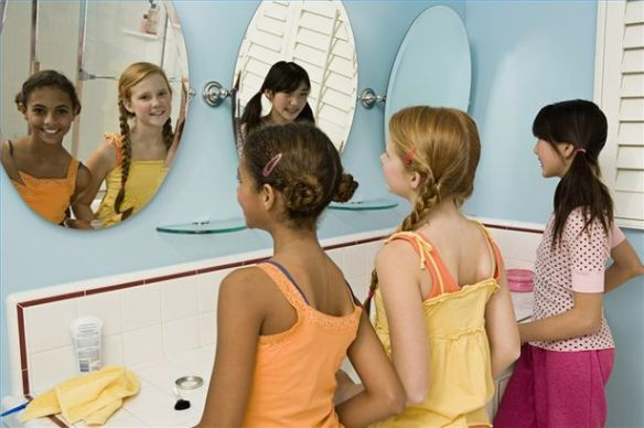 Image from http://www.ehow.com/how_2045115_build-selfesteem-preteen-girls.html